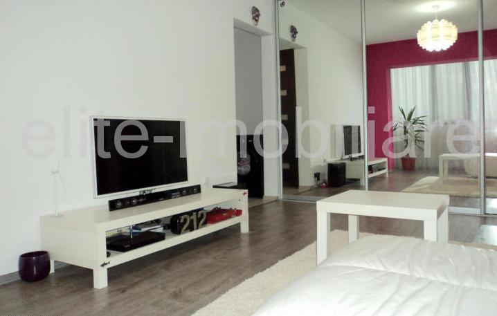 Casa De Cultura - Apartament cu 2 camere semidecomandate confort 2 - Constanta
