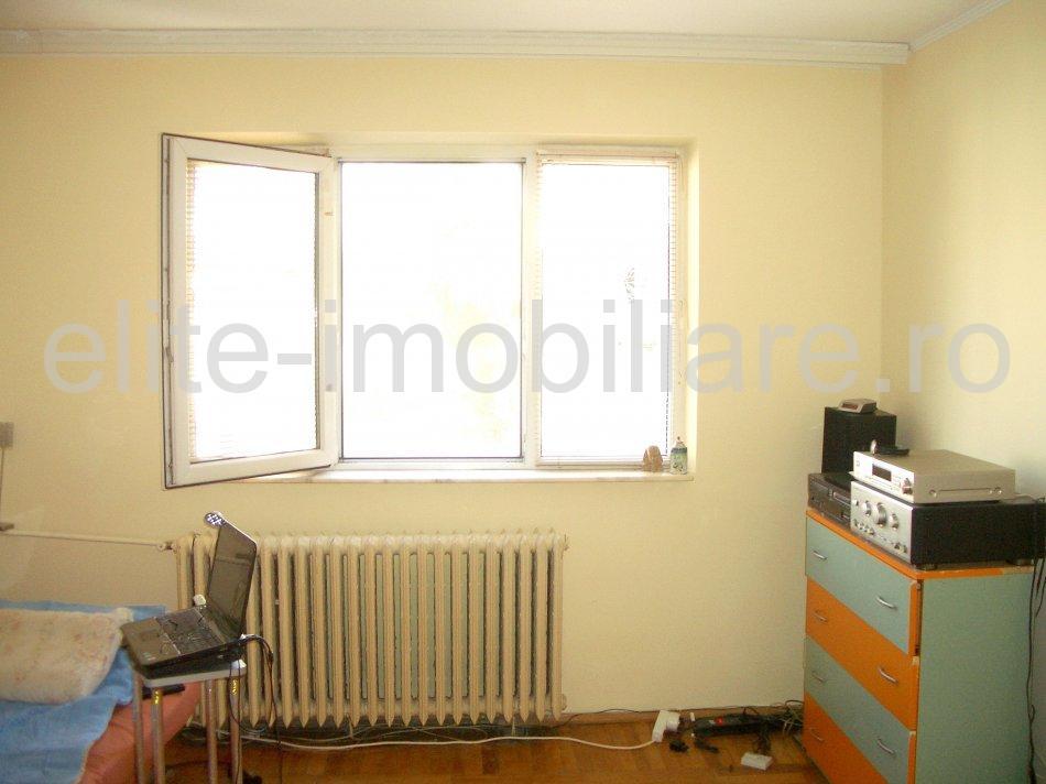 Casa de Cultura - Apartament cu 2 camere semidecomandate - Constanta