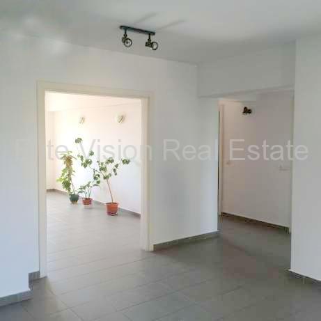 Trocadero -  Apartament decomandat cu 4 camere confort lux- Constanta