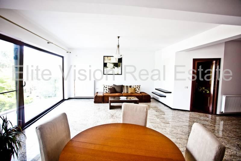 Ultracentral - Casa Casatoriilor - Apartament deosebit in vila - Constanta
