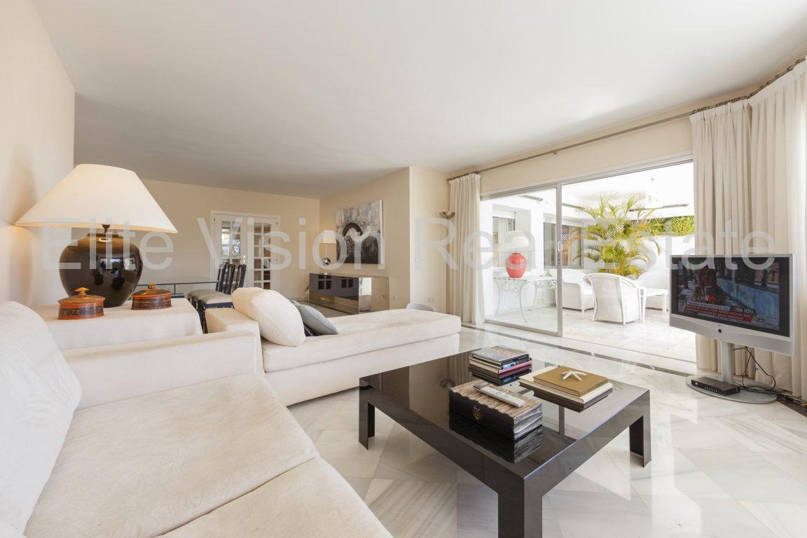 Marbella  - Vanzare apartament superb cu 4 camere - Guadalmina Baja- Spania